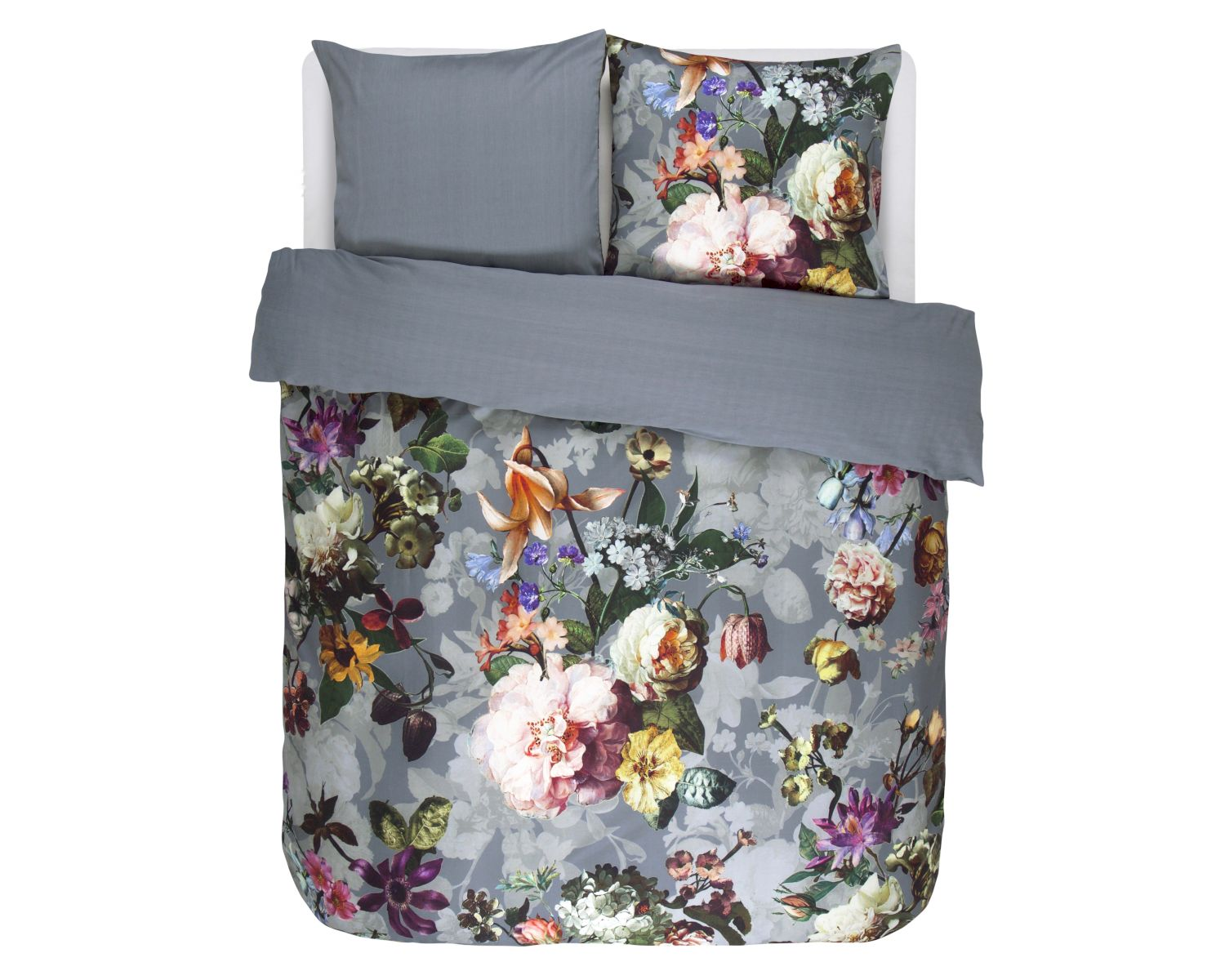 essenza satin bettw sche fleur faded blue. Black Bedroom Furniture Sets. Home Design Ideas